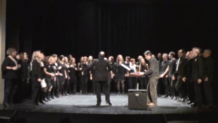 """""""Gospel Amb El Cor"""" Omple El Teatre Del Centre Cívic Sant Narcís"""